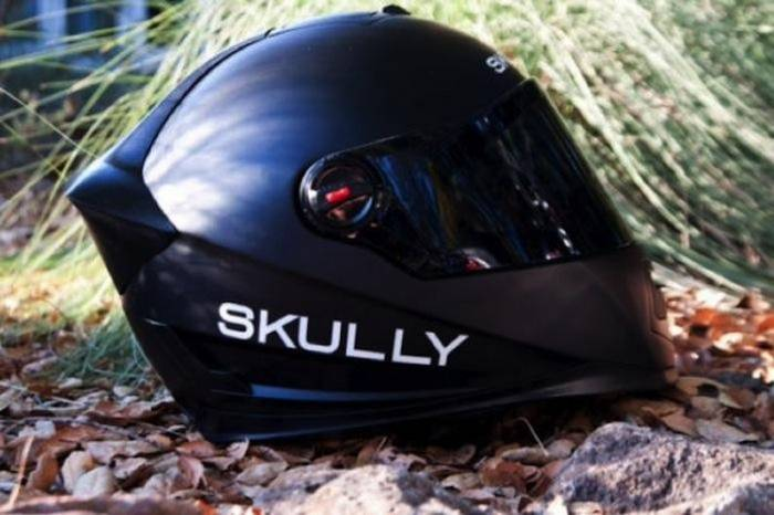 Skully P-1 — Крутой мотошлем на базе Android